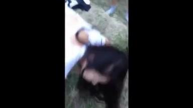 新疆一匹狼精品之作维吾尔族女神野外疯狂3P混战 情趣护士装爆操